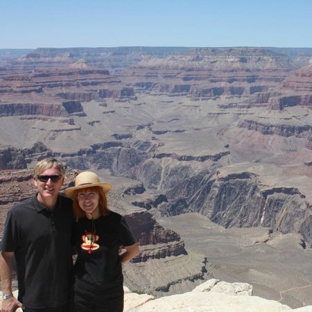 Marvelous Marv's Grand Canyon Tour : Posing for Marv at the Grand Canyon
