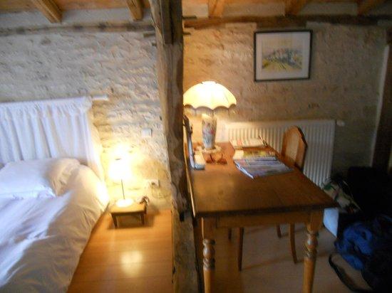 Chambres d' Hotes La Vayssade: Chambre Lilas