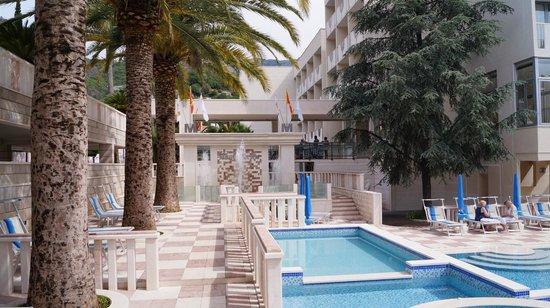 Mediteran Hotel & Resort: Pool Area