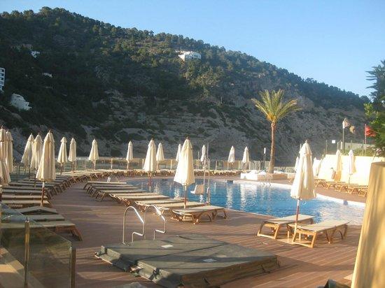 Palladium Hotel Cala Llonga: Swimming pool