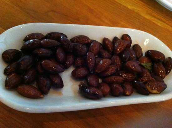 Cakes and Ale Restaurant and Bar: Rosemary roasted almonds