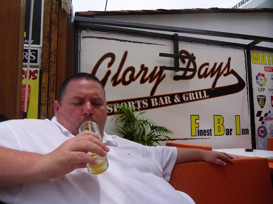 Glory Days Sports Bar and Grill: Great for breakfast, brunch, lunch, dinner, tea or just a snack!