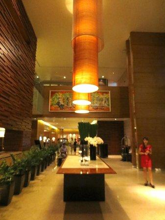InterContinental Residences Saigon: Contemporary lobby