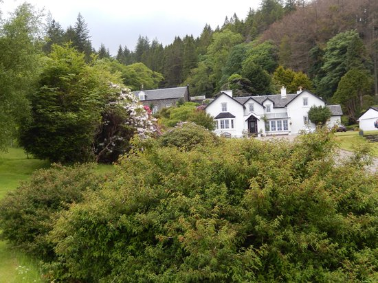 Tiroran House Hotel : Beautiful setting with view of lough