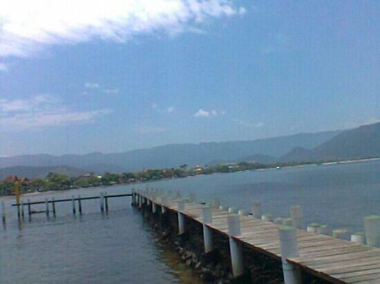 Itagua Beach: cais itagua