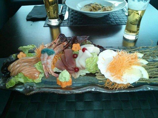 Lui y Keito: Sashimi
