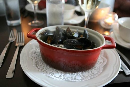 Tom Crean Fish & Wine & Accommodation : mussels