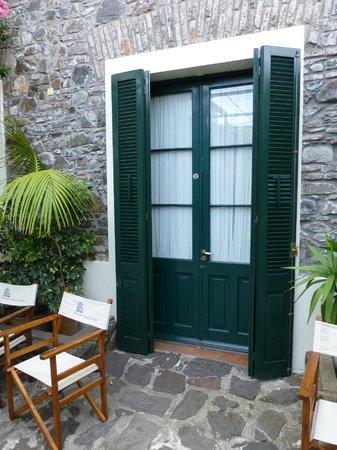 Posada Plaza Mayor: Room entrance from courtyard