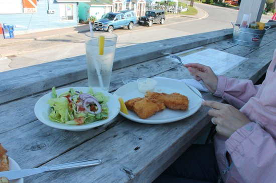 Crowsnest Pub: Fish 'n' chips (fish great, salad so-so)