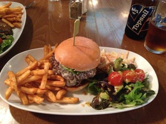 Kendricks Restaurant and Bar : mmmm burger…