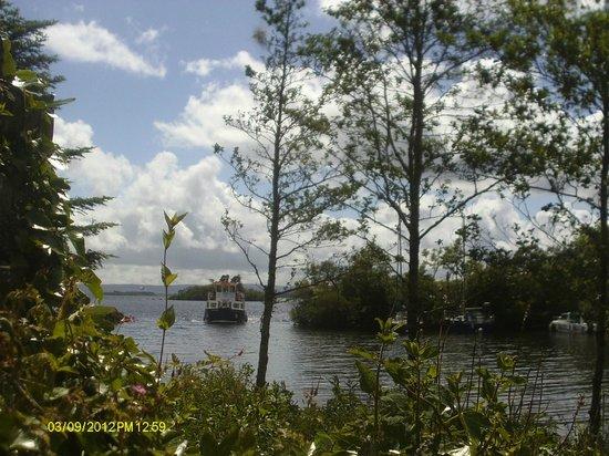 Pontoon Bridge Hotel: corrib cruises