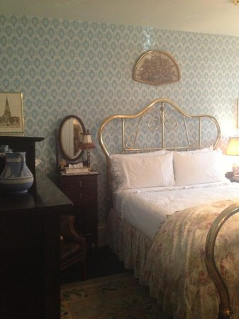 The Pineapple Inn Bed and Breakfast: Canterbury Room