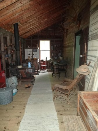 Muskoka Heritage Place: Hill House Summer Kitchen