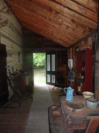 Muskoka Heritage Place: hmmmm... Hill House Summer Kitchen