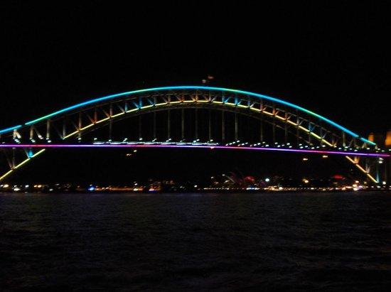 Vivid Sydney : Sydney Harbour Bridge Lit Up