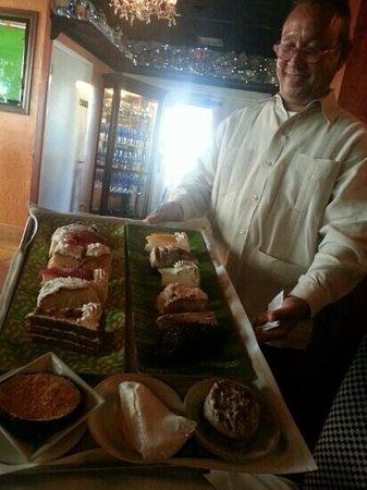 Mario's Catalina Restaurant : best service, fantastic desert