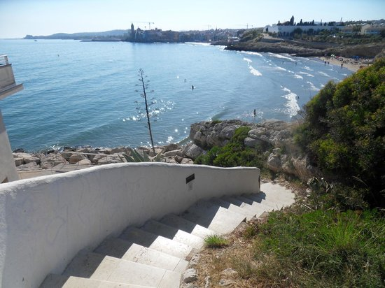 Hotel Port Sitges: Steps leading to the hotel.
