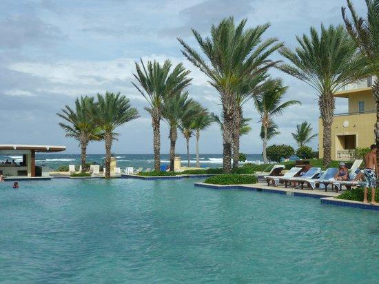The Westin Dawn Beach Resort & Spa, St. Maarten: Beautiful day at the pool