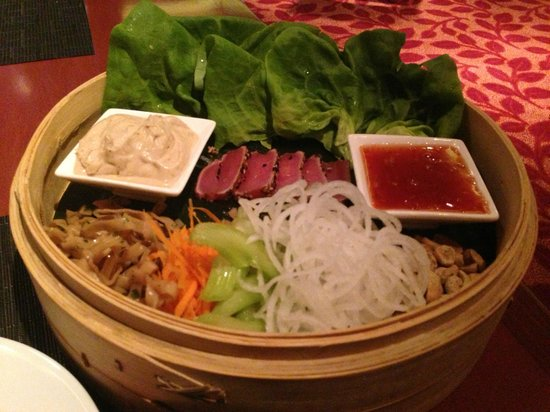 Flame Restaurant : Ahi Lettuce Wraps
