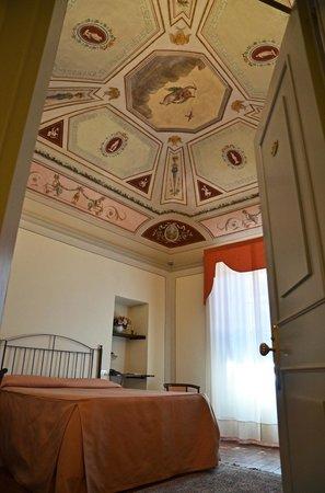 Hotel L'Antico Pozzo: Dante Room 20