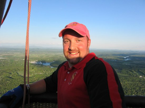 Sunkiss Ballooning: Todd, our very experienced, professional pilot!