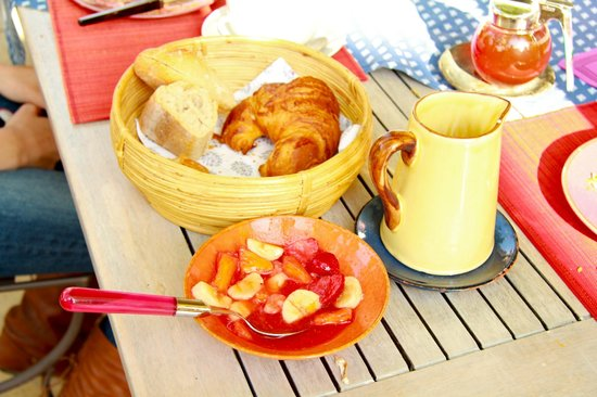 L'Ecole Buissonniere Provence : Breakfast