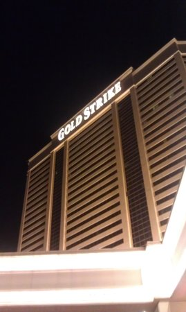 Gold Strike Casino Resort : Gold Strike at Night