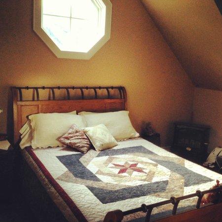 Antique Slumber B&B : Bedroom