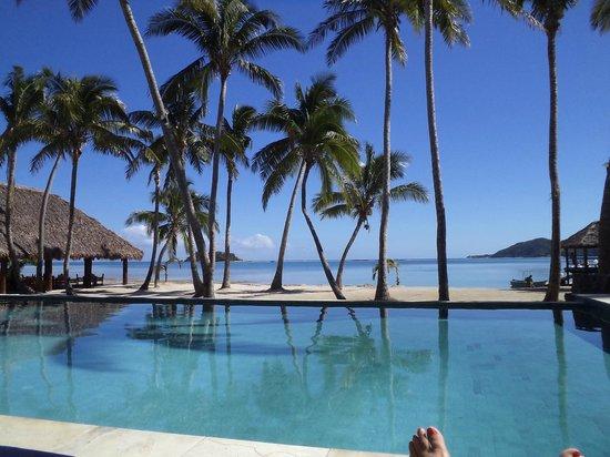 Tropica Island Resort: Lying by pool