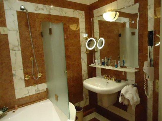 Hotel Bristol Vienna: Bathroom