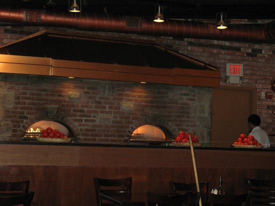 Roxanne's: Brick ovens inside the restaurant
