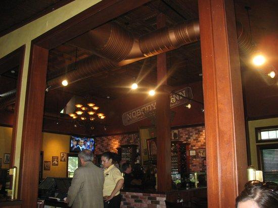 Roxanne's: Near the bar area
