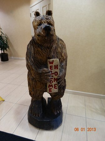 Residence Inn Anchorage Midtown: The BEAR that welcomes you