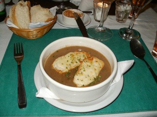 L'atelier De Celine : La sopa de cebolla con tostadas con queso...delicia!!