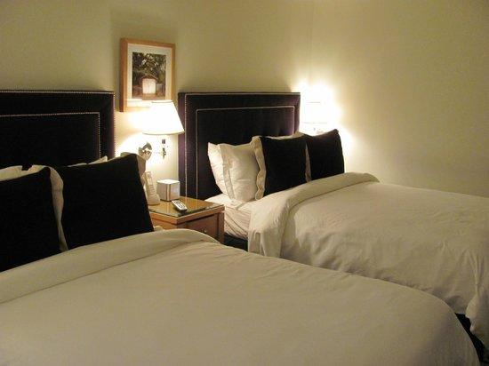 Garden Court Hotel : bedroom