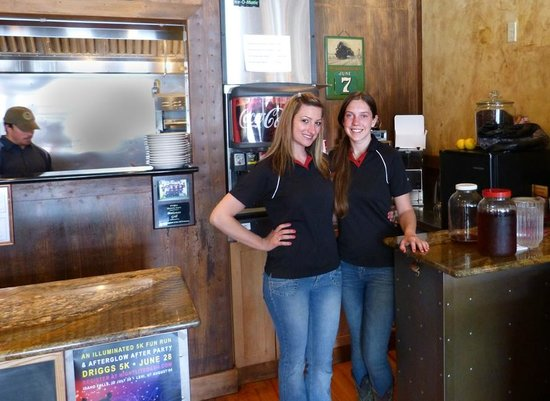 The Brakeman American Grill: Friendly Staff at the Brakeman