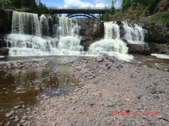 Gooseberry Falls State Park: Beautiful falls