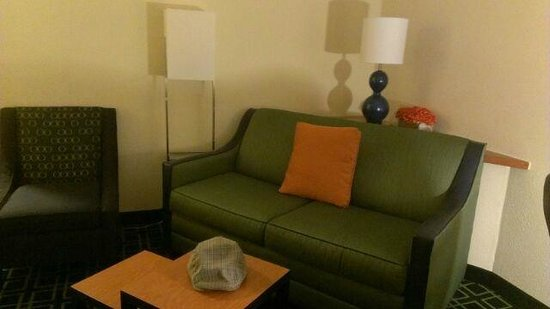 Fairfield Inn & Suites Lafayette I-10: cozy living space