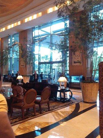 Hotel Mulia Senayan: entrance