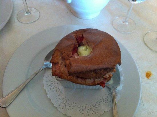Auberge la Bartavelle: Raspberry souffle