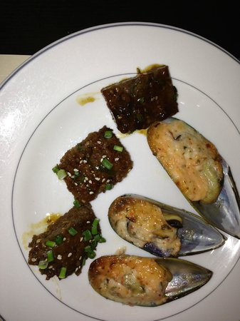 OASE Seafood Buffet: Fish eggs and mussels