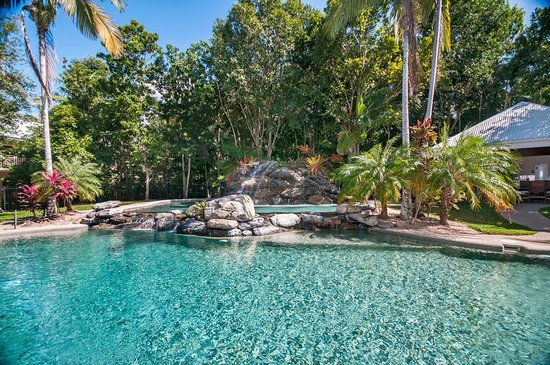 Paradise Links Resort Port Douglas: Good Waterfall