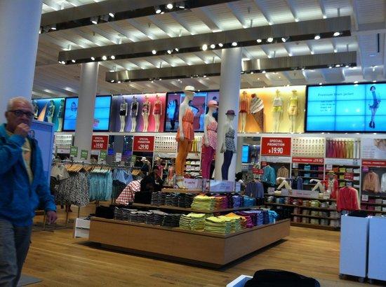 Interior of Uni Qlo: Inside the store