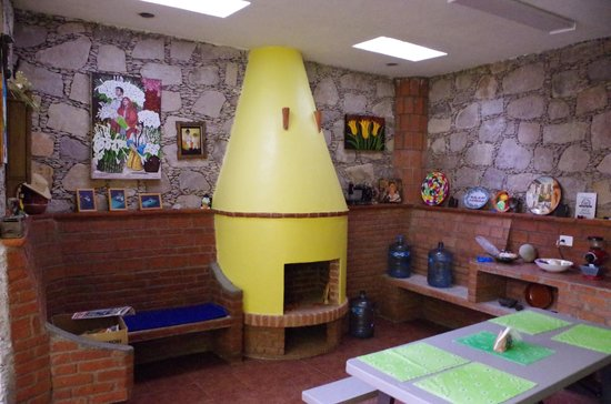 Casa Zuniga B&B: The cooooooool kitchen