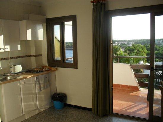 Niu d'Aus: Doors to balcony.