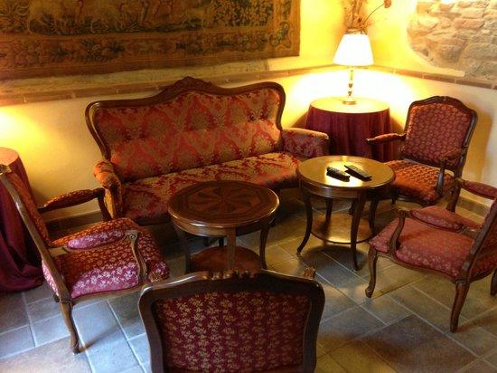 بورجو هوتل لوتير ديل فيردي: Salottino Bar
