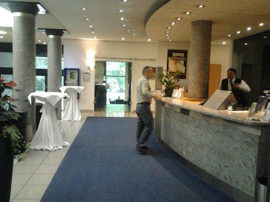 City Hotel Fortuna: Hall