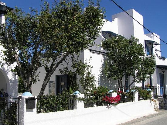 Ikaros Studios & Apartments : Ikaros Studios