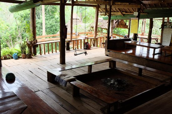 Cave Lodge: Main deck