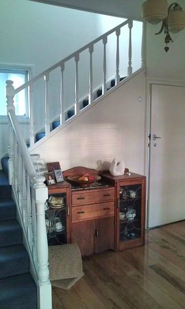 Kiwi Heritage Home Stay : Stairwell